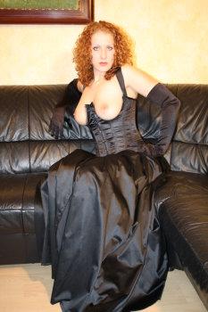 Kleid der schwarz ohne Ärmel