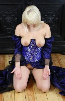 Kleid der O Wildseide